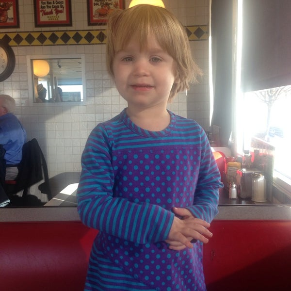 Photo taken at Waffle House by Warren B. on 2/24/2014
