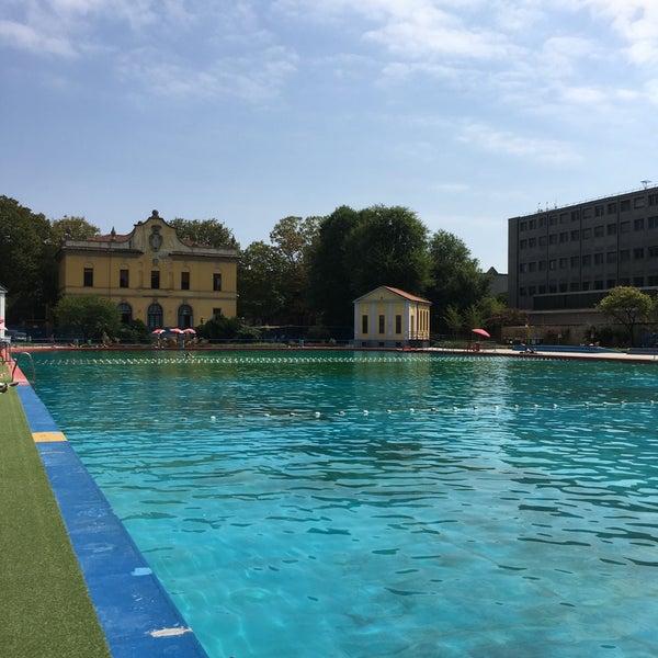 Foto di piscina romano ponzio piscina in milano for Piscina x cani milano