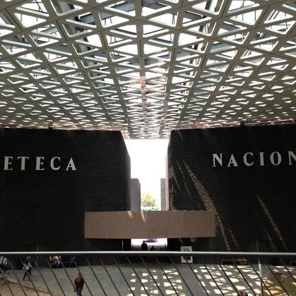 Foto tomada en Cineteca Nacional por Victor Manuel G. el 7/14/2013