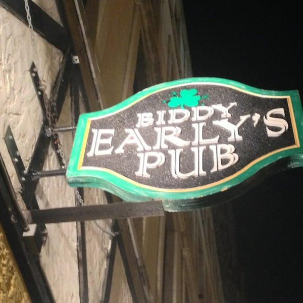 Biddy early 39 s dive bar in boston - Dive bar definition ...