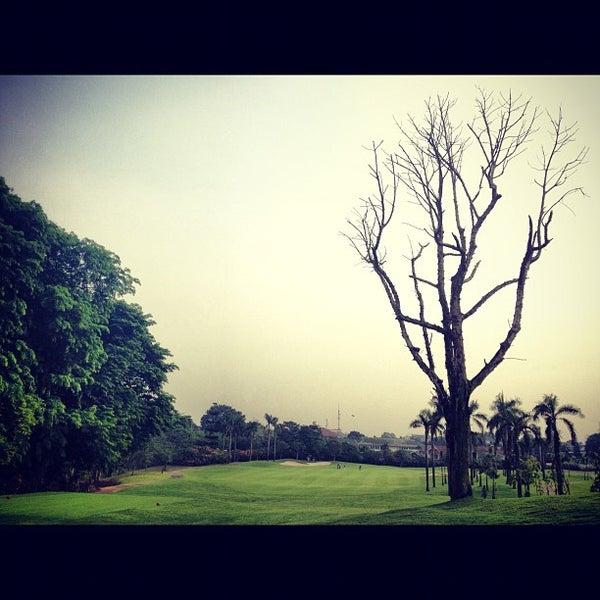 11/2/2012 tarihinde Abraham S.ziyaretçi tarafından Pondok Indah Golf & Country Club'de çekilen fotoğraf