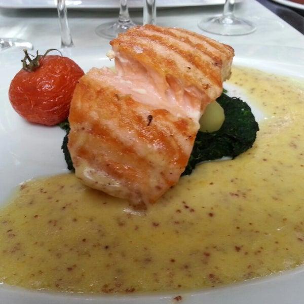 Photo prise au Restaurant de l'Ogenblik par Petit F. le7/25/2013