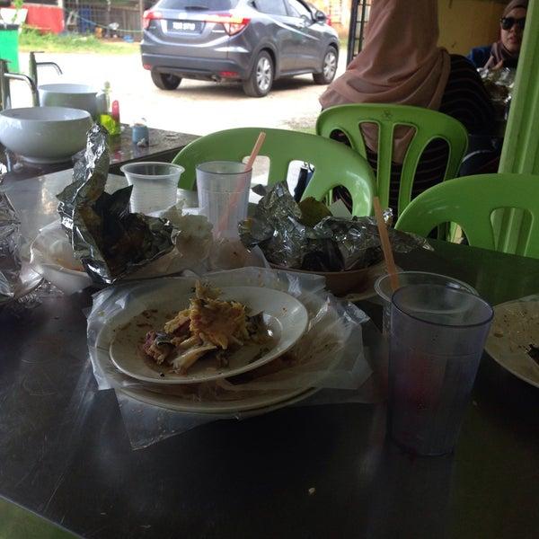 Photo taken at MABIQ Restaurant by Lukman H. on 10/29/2016