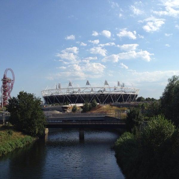 8/1/2013 tarihinde Robin W.ziyaretçi tarafından Queen Elizabeth Olympic Park'de çekilen fotoğraf