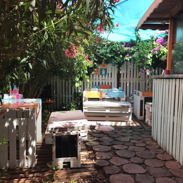 7/29/2017에 Hatice B.님이 Büyükada Bistro Candy Garden에서 찍은 사진