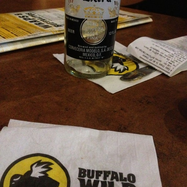 Photo taken at Buffalo Wild Wings by Paulina C. on 1/5/2013