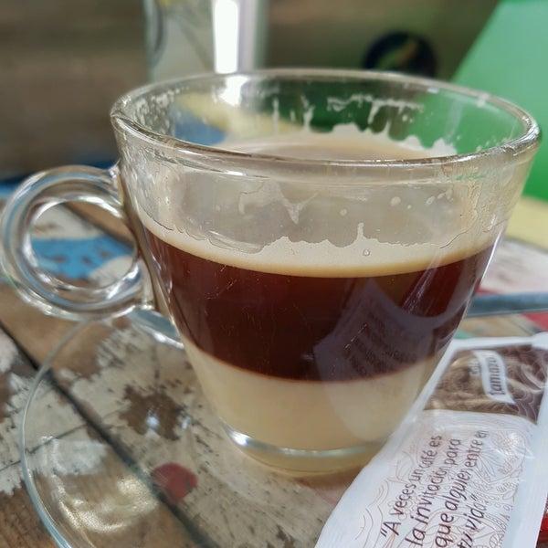 2/2/2017 tarihinde Simoneziyaretçi tarafından Café con Libros'de çekilen fotoğraf