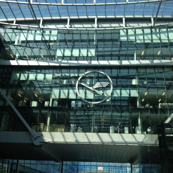 Das Foto wurde bei Frankfurt Airport (FRA) von Dina4 w. am 6/18/2013 aufgenommen