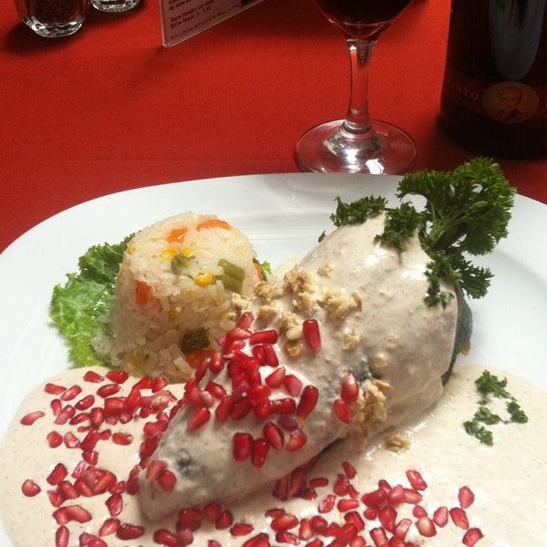 Ya puedes probar nuestros Chiles en Nogada con la receta original de la Abuela, con una Sopa Azteca o Consomé.
