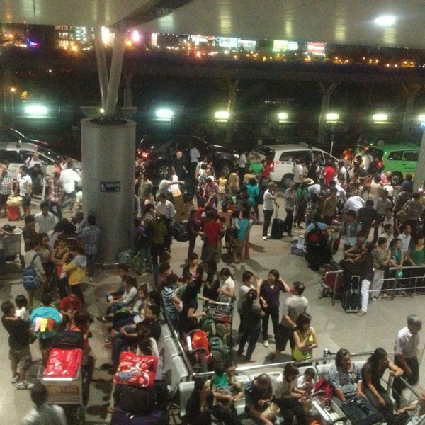 Photo taken at Tan Son Nhat International Airport (SGN) by Vit cui on 2/28/2013
