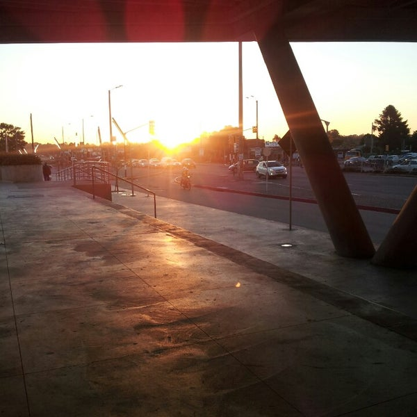 Foto tomada en Costa Urbana Shopping por Agustin N. el 10/26/2013