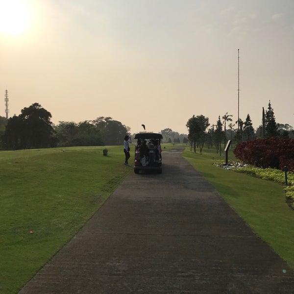 9/16/2017 tarihinde Harry Hanawiziyaretçi tarafından Pondok Indah Golf & Country Club'de çekilen fotoğraf