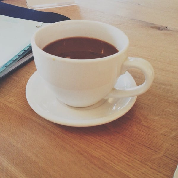 Photo taken at Hubbard & Cravens Coffee and Tea by Carissa H. on 7/13/2013