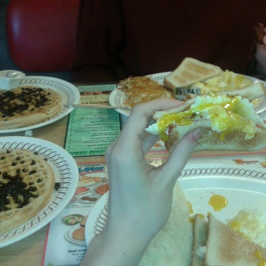 Photo taken at Waffle House by Mary-Kate I. on 12/12/2012