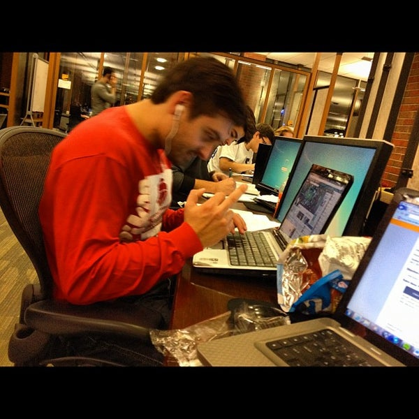Photo taken at UWM Golda Meir Library by 🍸Níckolás . on 10/3/2012