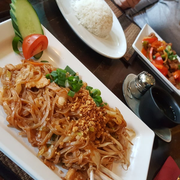 Jasmine thai cuisine koestraat 5 tips from 98 visitors for Jasmine cuisine