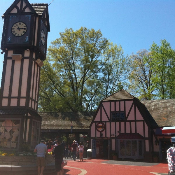 Photo taken at Busch Gardens Williamsburg by Kevin R. on 4/14/2013