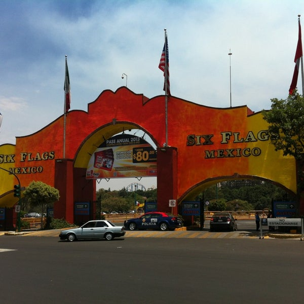 Photo taken at Six Flags México by Israel A. on 4/14/2013