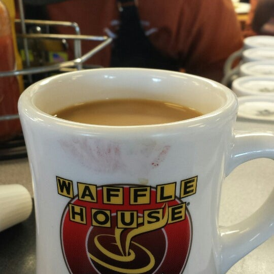 Photo taken at Waffle House by Dawn W. on 8/30/2014