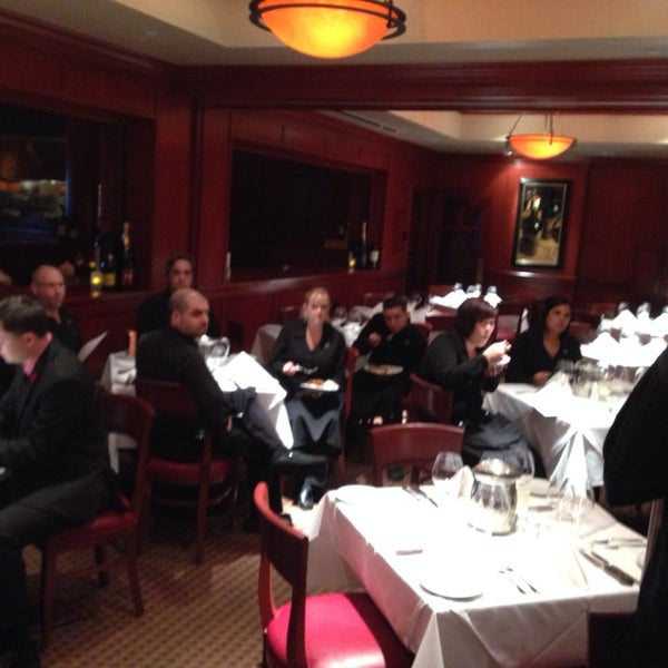 Photo taken at Fleming's Prime Steakhouse & Wine Bar by D S. on 10/19/2013