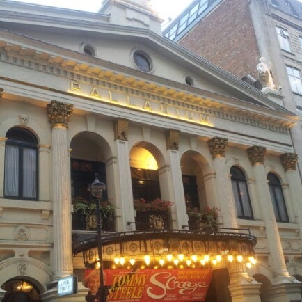 Foto scattata a The London Palladium da macle d. il 9/28/2012