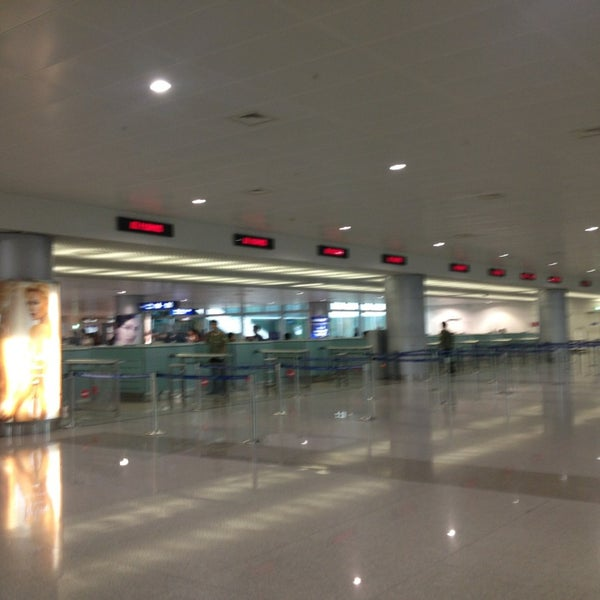 Photo taken at Tan Son Nhat International Airport (SGN) by Namfon Goethe S. on 7/20/2013