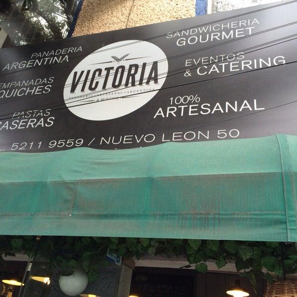 Foto tomada en Panaderia La Victoria por Alejandro P. el 11/22/2014