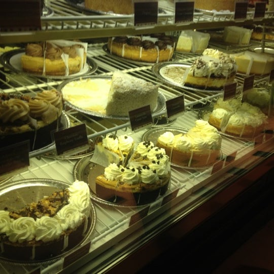 Photo taken at The Cheesecake Factory by Dyt.Merve T. on 12/14/2012