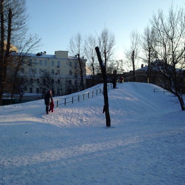 Снимок сделан в Щемиловский детский парк пользователем Di H. 1/18/2014
