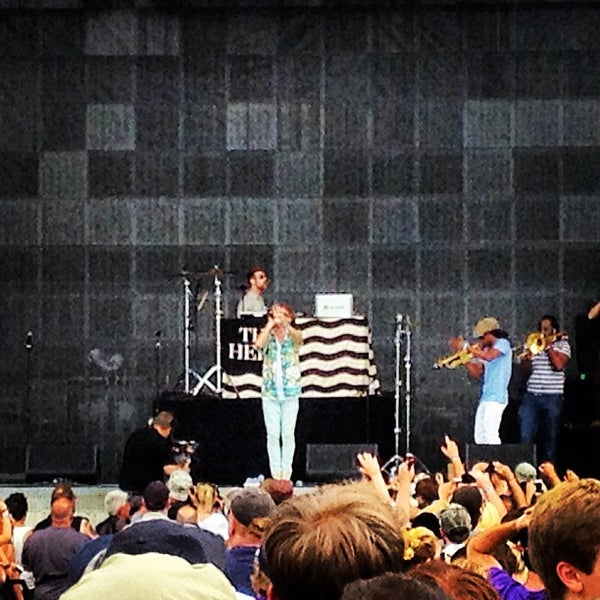 Photo taken at What Stage at Bonnaroo Music & Arts Festival by Dave E. on 6/16/2013