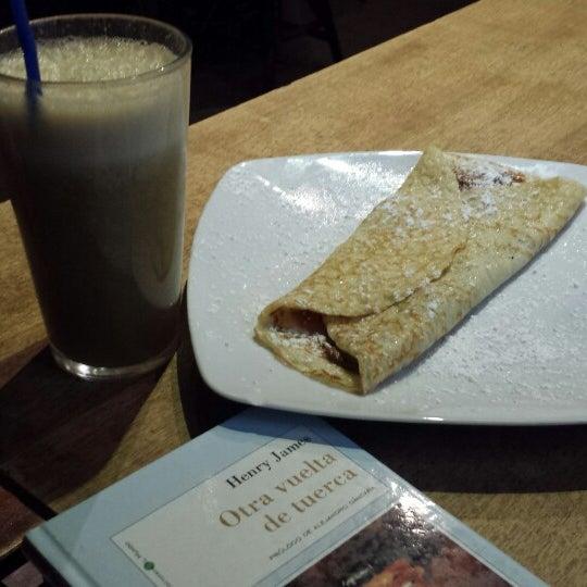 5/5/2014 tarihinde Liv K.ziyaretçi tarafından Café con Libros'de çekilen fotoğraf