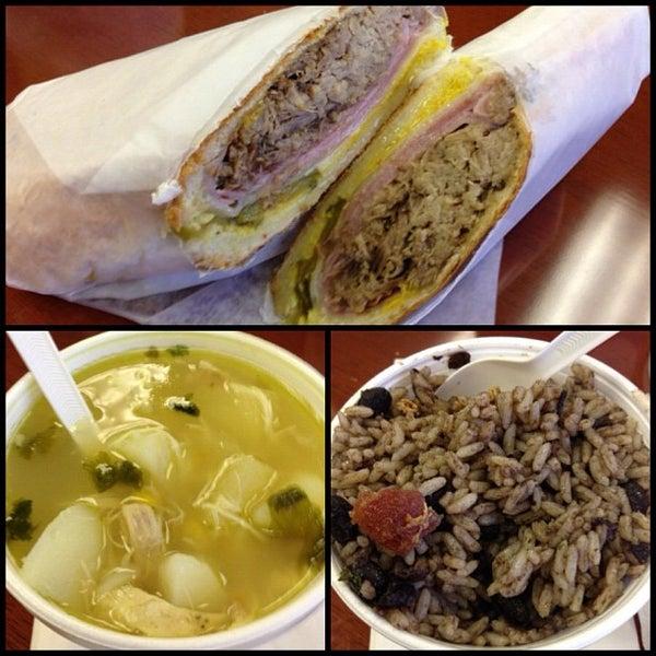Foto tomada en Latin Square Cuisine por Eating WDW el 11/16/2012