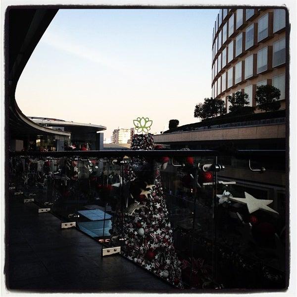 Foto tomada en Antara Fashion Hall por Ana Z. el 12/23/2012