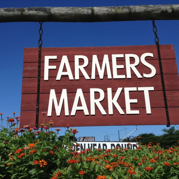 Virginia beach farmer 39 s market 3640 dam neck rd for Fish market virginia beach