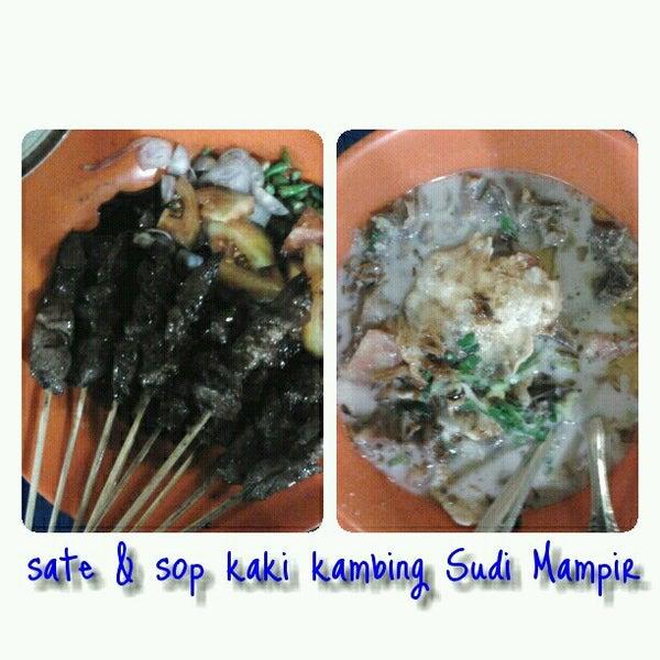 Photo taken at Sop Kaki Kambing Sudi Mampir by Widi DW on 12/7/2012