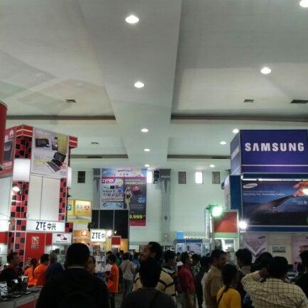 Das Foto wurde bei Jogja Expo Center (JEC) von Wildan 4. am 10/3/2012 aufgenommen