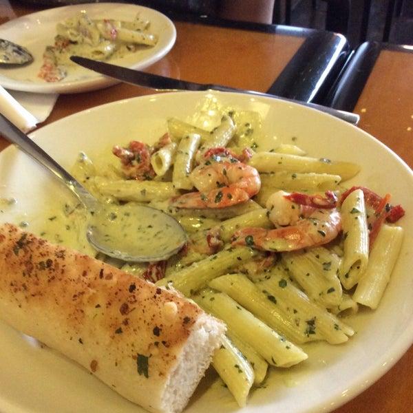 Photo taken at California Pizza Kitchen by Tzee d. on 4/7/2014
