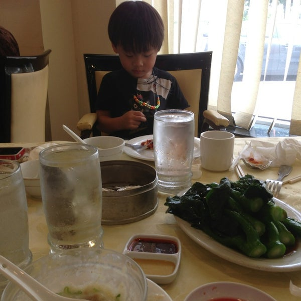 Photo taken at PV Palace Seafood Restaurant by Jean Y. on 7/5/2013