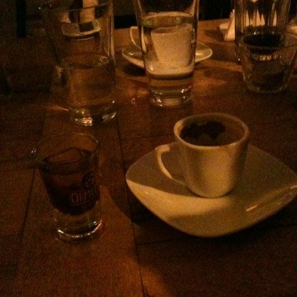 1/19/2013 tarihinde Cemil Can Y.ziyaretçi tarafından Uno Restaurant'de çekilen fotoğraf