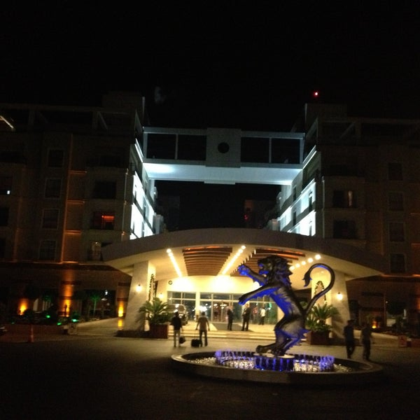 5/8/2013 tarihinde Atilla U.ziyaretçi tarafından Cratos Premium Hotel & Casino'de çekilen fotoğraf