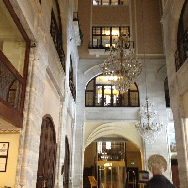 3/18/2013 tarihinde Levent O.ziyaretçi tarafından Legacy Ottoman Hotel'de çekilen fotoğraf