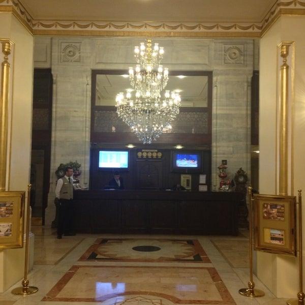 2/26/2013 tarihinde Oskar K.ziyaretçi tarafından Legacy Ottoman Hotel'de çekilen fotoğraf