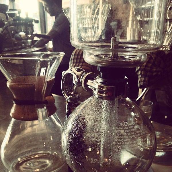 Foto tomada en Gaslight Coffee Roasters por Amar P. el 7/13/2013