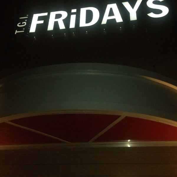 Photo taken at TGI Fridays by Coral Springs T. on 2/21/2014