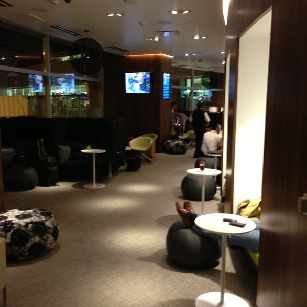Photo taken at The Centurion Lounge Las Vegas by Tom B. on 4/12/2013