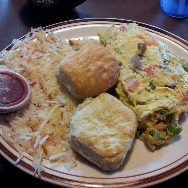 Das Foto wurde bei Our Place Restaurant von David S. am 2/12/2013 aufgenommen