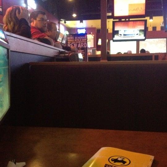 Photo taken at Buffalo Wild Wings by Rhen S. on 11/7/2012