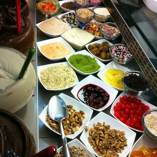 3/8/2012 tarihinde Muhammed Haluk D.ziyaretçi tarafından Waffle Edem'de çekilen fotoğraf