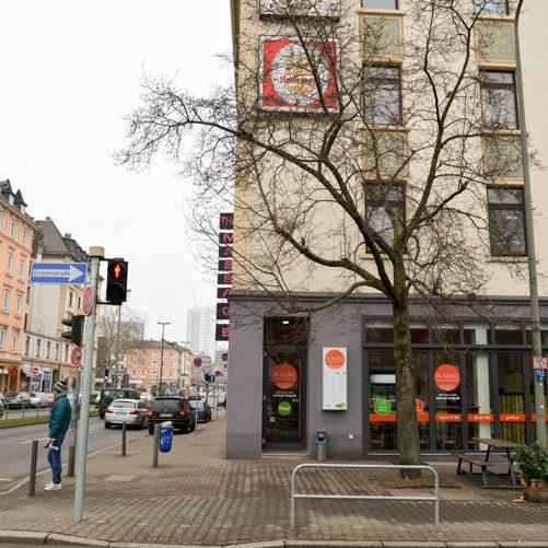 Seit 5. Januar hat Pi Nong am Affentorplatz in Sachsenhausen eröffnet!