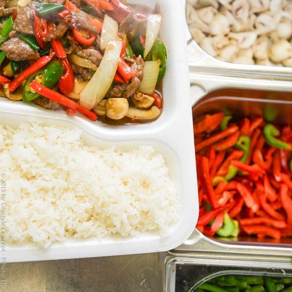 Frisch und lecker...typisch thailändisch, schnell und knackig zubereitet...auf für zu Hause!